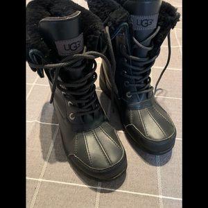 EUC Ugg Butte black boots
